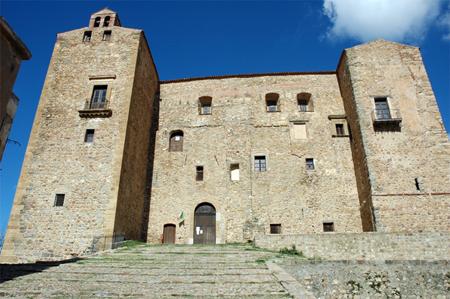 castello_dei_ventimiglia