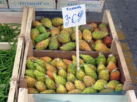 markt_castelbuono